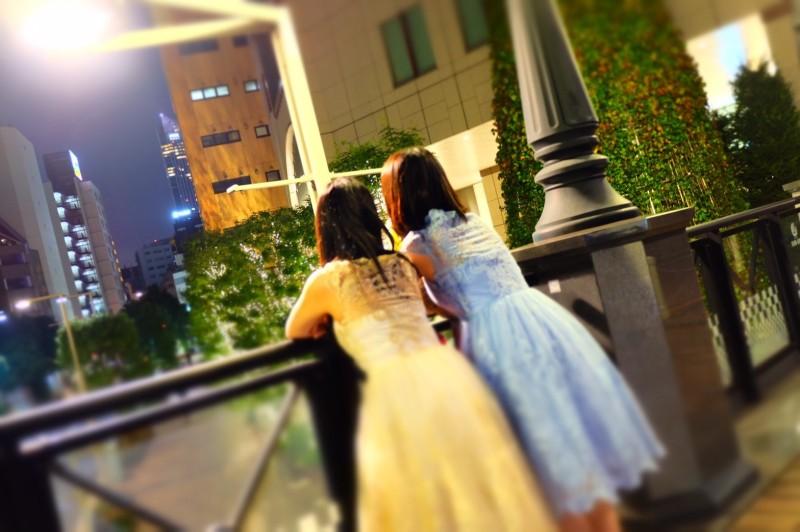 リムジン女子会でかわいいドレスを着て楽しもう (15)
