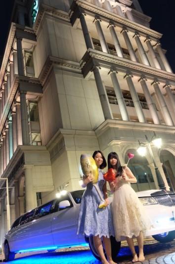 リムジン女子会でかわいいドレスを着て楽しもう (4)