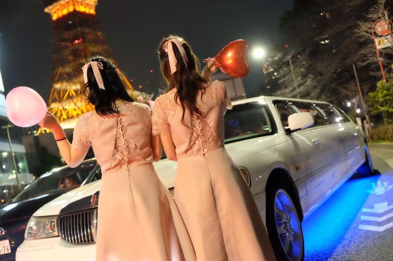 リムジンパーティー東京おすすめ(ドレス)